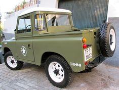 1975 Land Rover Santana 88 Especial | Bring a Trailer