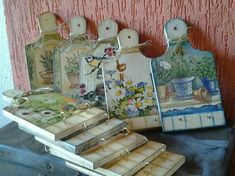 Site of the decoupage fans DCPG. Farm Crafts, Wood Crafts, Diy And Crafts, Decoupage Wood, Decoupage Vintage, Tole Painting, Painting On Wood, Recycled Art, Design Crafts