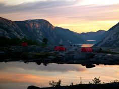 Doesn't this make you want to run out the door and go #camping right now?!