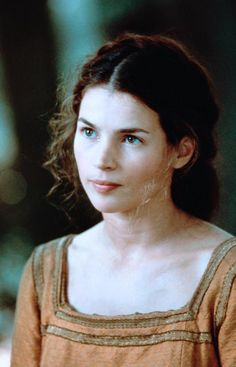 Author Tamera Alexander would cast Julia Ormond as Maggie Linden in a film version of her novel TO WIN HER FAVOR Julia Ormond, Divas, First Knight, Cinema, Beautiful Actresses, Female Characters, Character Inspiration, Actors & Actresses, Movie Tv