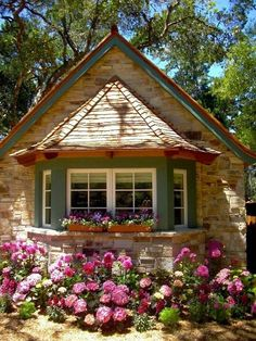 Cabins And Cottage: French Heart by the Sea, Carmel-by-the-Sea, Califo. Cottage Shabby Chic, Cute Cottage, French Cottage, Cottage Style, Little Cottages, Cabins And Cottages, Little Houses, Tiny Houses, Country Cottages
