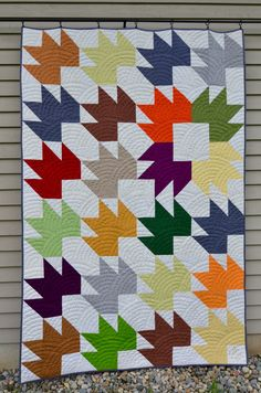 Turning Leaves quilt @ Sewfrench