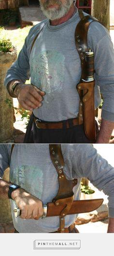 Cross draw shoulder holstered Large Blade