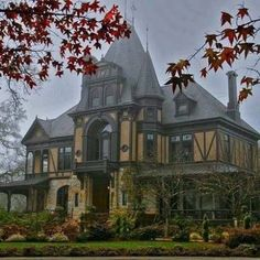 Awesome Horror Decor That You'll Want in Your Home Gothic looking Victorian: Architecture Cool, Victorian Architecture, Classical Architecture, Abandoned Houses, Old Houses, Modern Houses, Beautiful Buildings, Beautiful Homes, This Old House