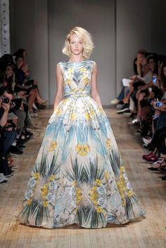 Jenny Packham New York Fashion Week Spring Summer 15 New York September 2014 Go Fug Yourself Stunning Wedding Dresses, 2015 Wedding Dresses, Beautiful Gowns, Types Of Dresses, Blue Dresses, Summer Dresses, Dresses Dresses, Jenny Packham, Floral Wedding