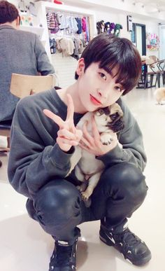 170109 UP10TION Xiao Fancafe Update - Healing Time @ Pet Café   #업텐션 #샤오 #XIAO