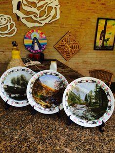 Pratos de porcelanas a venda pelos telefone 16 39769132 e 997334190