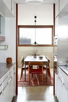 Brooke Marine Barbican Kitchen - Small Kitchen Ideas (houseandgarden.co.uk)   they had the clever idea of bringing in Brooke Marine, a firm of yacht designers. They figured the one place where space for a kitchen was always at a premium was on board a boat.