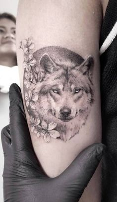 50 Of The Most Beautiful Wolf Tattoo Designs The Internet Has Ever Seen - KickAss Things - wolf tattoo © Zlata Kolomoyskaya - Bad Tattoos, Trendy Tattoos, Forearm Tattoos, Future Tattoos, Body Art Tattoos, Girl Tattoos, Sleeve Tattoos, Tattoo Thigh, Tatoos