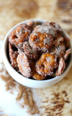 These Gluten-Free Cinnamon Sugar Pretzels are vegan, sugar-free, and allergy-free! Perfect for gift-giving, late night snacking, or a kid-friendly treat! Cinnamon Sugar Pretzels, Baked Cinnamon Apples, Christmas No Bake Treats, Snack Recipes, Dessert Recipes, Easy Recipes, Vegan Sugar, Allergy Free, Sweet And Salty