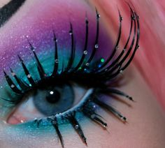 blue purple pink eyeshadow, glitter lashes
