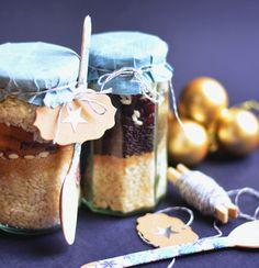 Pofonegyszerű, hálás ajándék azoknak, akik szeretik a jót, de nem tudnak főzni. Hozzávalók üvegben, utasítás mellékelve.