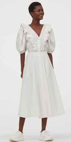 A puffos ujjú ruha, amit Diana hercegnő imádott, és most mi is hordhatjuk Fashion 2020, World Of Fashion, Calf Length Dress, Coton Bio, Summer Essentials, Fashion Company, Mannequin, The Dress, Lady