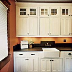 white cabinets I like @ http://www.thisoldhouse.com/toh/photos/0,,20333409_20720830,00.html