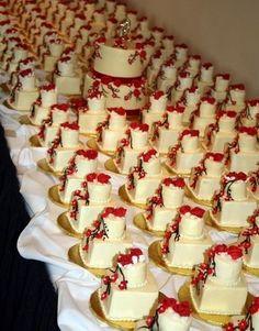 Adorable mini wedding cakes!