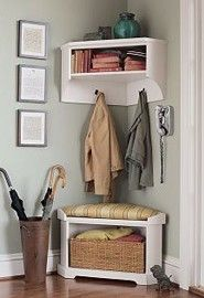 Small space, great entryway. | Want for empty kitchen corner (kid shoes, etc) | link goes to empty blog ="|185|270|?|ec886e8f56d331252515ca20d1b9f1d3|False|UNLIKELY|0.31475913524627686