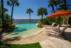 Beach-entry pool with a view in San Marco!