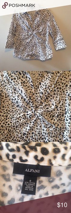 Alfani leopard print 3/4 sleeve blouse 🚛📦Moving Sale = 2️⃣5️⃣% off bundles of 2+ 📦📦  Alfani leopard print blouse. Has a collar, neckline goes into a v, pleating from the shoulder and gathers at the center (see pictures). Pleated to give better fit. 3/4 length sleeves with two buttons on each sleeve. Size 8, in good condition. Alfani Tops Blouses