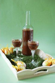 Csokoládélikőr Cocktail Drinks, Cocktails, How To Make Drinks, Hungarian Recipes, Limoncello, Diy Food, Milkshake, Hot Sauce Bottles, Fun Desserts