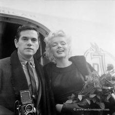 Marilyn Monroe and Milton Greene. Roses sitting, 1956.