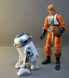 Robot Star Wars Desk Accessories ~ http://www.lookmyhomes.com/choosing-star-wars-desk-accessories-for-your-themed-room/