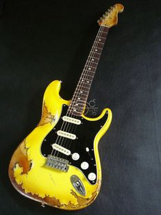 Standard Fender Stratocaster Yellow Aged Relic Vintage - on sale Fender Stratocaster, Strat Guitar, Fender Electric Guitar, Fender Guitars, Gretsch, Epiphone, Cool Guitar, Types Of Guitar, Guitar Building