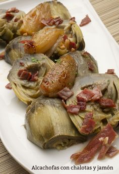 Artichokes with shallots and ham recipe – Karlos Arguiñano Ham Recipes, Chicken Salad Recipes, Vegetable Recipes, Healthy Recipes, Food Preparation, Tapas, Carne, Food To Make, Veggies