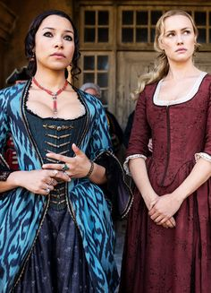 Jessica Parker Kennedy & Hannah New in 'Black Sails Starz App, Hannah New, Jessica Parker Kennedy, Tom Hopper, Toby Stephens, Black Sails, British Actresses, Celebrity Hairstyles, Sailing
