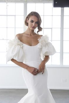 11 Puff Sleeve Wedding Dresses That Make a Serious Statement - WeddingWire Marchesa Spring 2020 2018 Wedding Dresses Trends, Dream Wedding Dresses, Bridal Dresses, Wedding Gowns, Marchesa Wedding Dress, Sheer Wedding Dress, Wedding Dress Sleeves, Marchesa Spring, Anne Of Green Gables