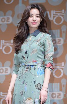 [Star Fashion] Actress Han Hyo-Joo is showcasing... | Poppy Ent