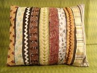 How to make a cushion. Scrappy Strips Pillow Tutorial - Step 1
