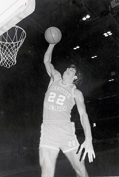 Ernie Grunfeld, Tennessee Vols Basketball, Basketball History, College Basketball, Football, Vol Nation, Neyland Stadium, Pat Summitt, Orange Country, Go Vols