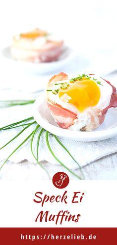 Speck Rezepte, Frühstück Rezepte: Rezept für Speck-Ei-Muffins von herzelieb. Zum Frühstück, fürs Buffet, beim Brunch immer ein echtes Highlight. Schnell und einfach eine Frühstücksüberraschung mit Eier und Speck zaubern! #herzelieb #frühstück #muffins #eier #speck #brunch #buffet