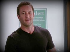 Fabulous Face Friday #AlexOLoughlin