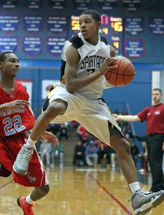 Chicago-area prospect Tyler Ulis announced his commitment to the University of Kentucky. And is likely a starting point guard for the 2014-15 season.