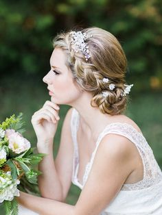 Bridal & Hair accessories: Three Sunbeams - Enchanted Forest Inspiration by Origami Creatives - via Magnolia Rouge