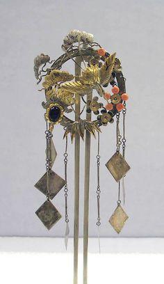 Japan | Meiji Hair ornament; silver, and silver gilt, 19th century