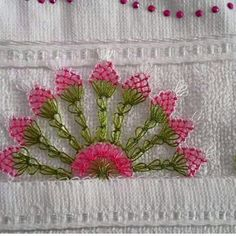 This Pin was discovered by Zey Needle Tatting, Needle Lace, Aari Embroidery, Magic Hands, Brazilian Embroidery, Unique Crochet, Lace Making, Lace Flowers, Crochet Doilies