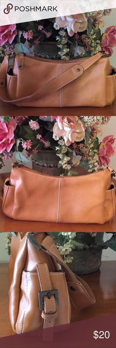 Steve Madden mini bag GUC! Steve Madden mini purse! Has lil signs of carry! Few lil stains inside and out! Nothing to notice! Thanks Steve Madden Bags Mini Bags