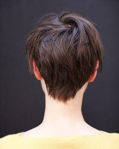 IG: @ahncotran || ¿Quién no quiere hacerse un buen corte de pelo para dar la bienvenida al buen tiempo? Atrévete con un cambio radical tipo #bob o #pixie #anhcotran Celebrity Hair Stylist, Haircut And Color, Pixie Cut, Hair Inspiration, Short Hair Styles, Hair Cuts, Celebrities, Short Bobs, Shorter Hair