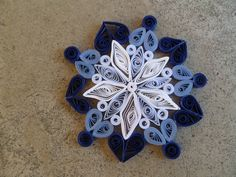 Always Springtime Flowers: Ombre Snowflake (and basic quilling tutorial)