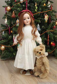 Немецкая антикварная кукла Armand Marseille Queen Louise 62 см. / Антикварные куклы, реплики / Шопик. Продать купить куклу / Бэйбики. Куклы фото. Одежда для кукол Old Dolls, Antique Dolls, Vintage Dolls, Doll Display, Bear Doll, Porcelain Jewelry, Antique Christmas, Bisque Doll, Dollhouse Dolls