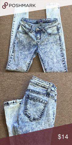 d14bf3ea933d7 Iris Jeans Stretch Skinny Jeans 5 Iris Jeans Stretch Skinny Jeans size 5  Acid washed.