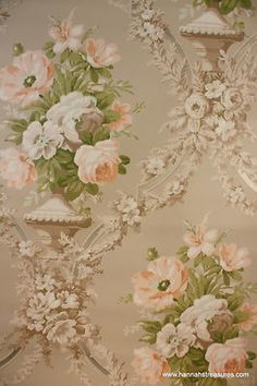 1940's Vintage Wallpaper Beautiful Roses in Urn Green White and Peach Bouquet