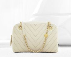 Chanel camera case in chevron quilted calfskin, chain and shoulder strap (Spring-Summer Chanel Purse, Chanel Handbags, Chanel Bags, Clutch Wallet, Pouch, Spring Bags, Spring Summer, Chevron Quilt, Chanel Spring