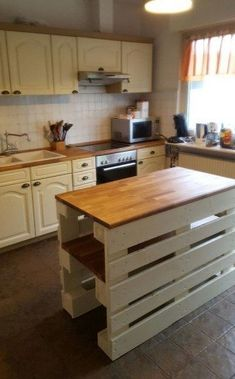 Palette Furniture, Pallet Patio Furniture, Kitchen Furniture, Diy Furniture, Home Decor Kitchen, Diy Kitchen, Home Kitchens, Diy Home Decor, Kitchen Ideas