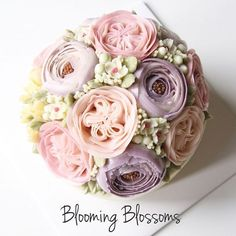 Mother's Day Flower Cake_  #bloomingblossoms #cakery #flowercake #cake #cupcakes #flowercakeclass #LAbakingclass #LAflowercake #instafood #instaflower #homebaking #instacake #birthdaycake #bridalshower #weddingcake #cakestagram #wedding #babyshower #꽃스타그램 #꽃 #플라워케이크 #플라워컵케이크 #LA플라워케이크 #엘에이플라워케이크 #버터크림플라워케이크 #생일케이크 #EJ_Table
