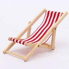 Lovely Dolls House 1:12 Miniature Foldable Wooden Deckchair Lounge Beach Chair