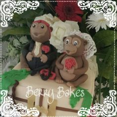 Monkey bride and groom topper by Berry Bakes