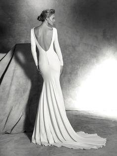 Платье Ivania, простое, с длинными рукавами